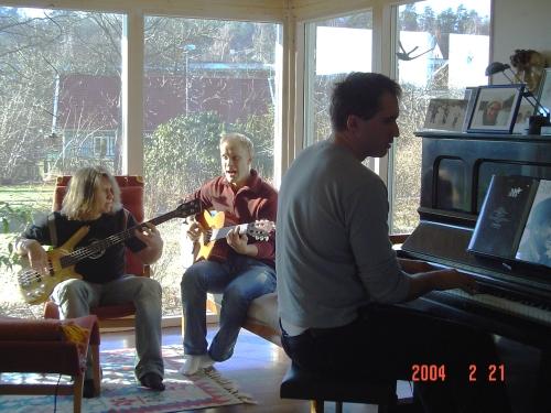 Cerias early 2004